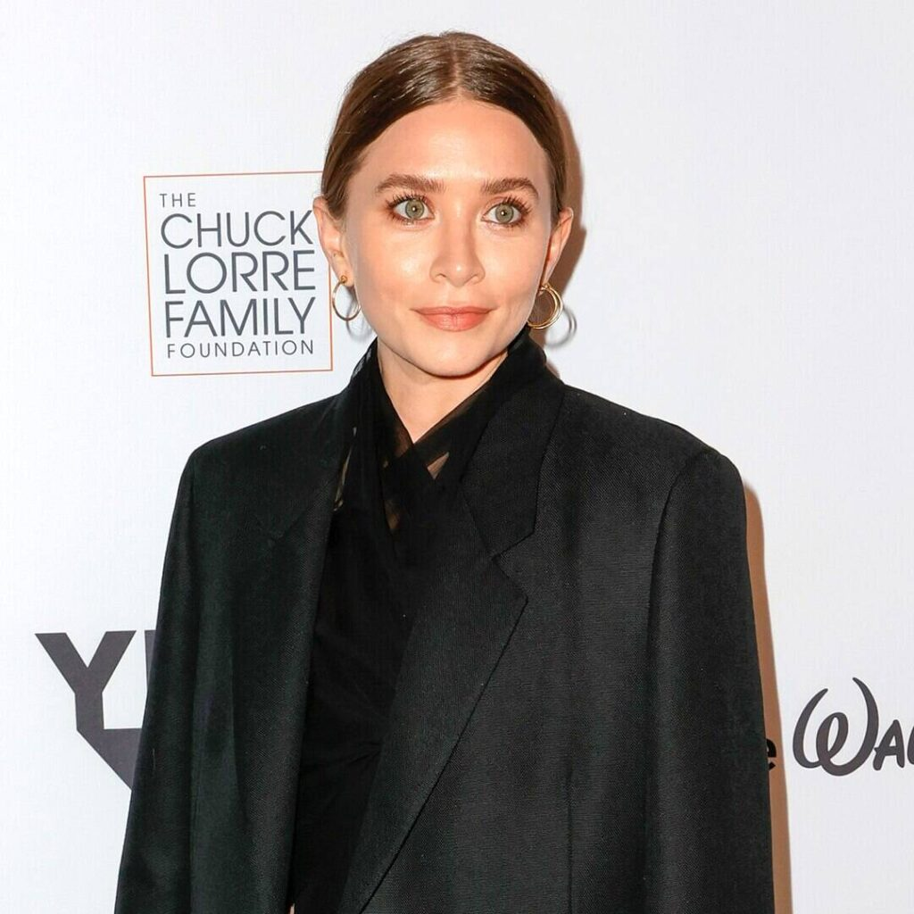 Check Ashley Olsen Walk out during Enticing Nocturnal With Karlie Kloss, Lorde and most Issues