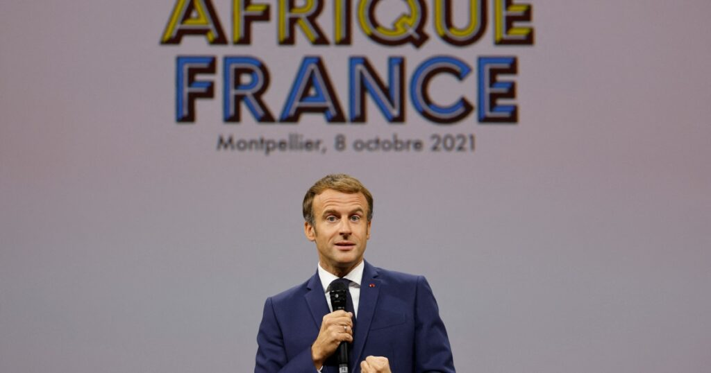 Cornered by African youth, Macron intends to repair FrancAfrique