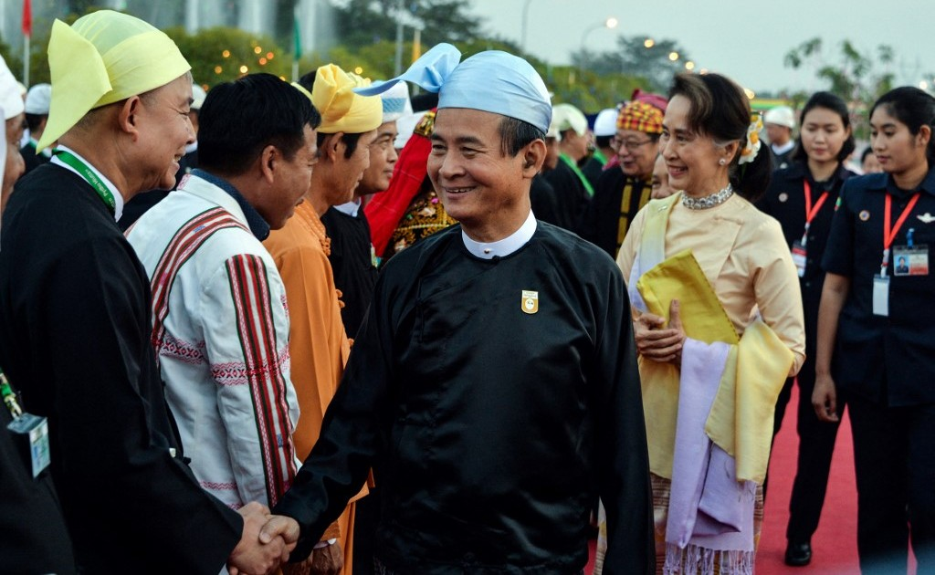 Ex-Myanmarpresident says army tried to force him to cede power